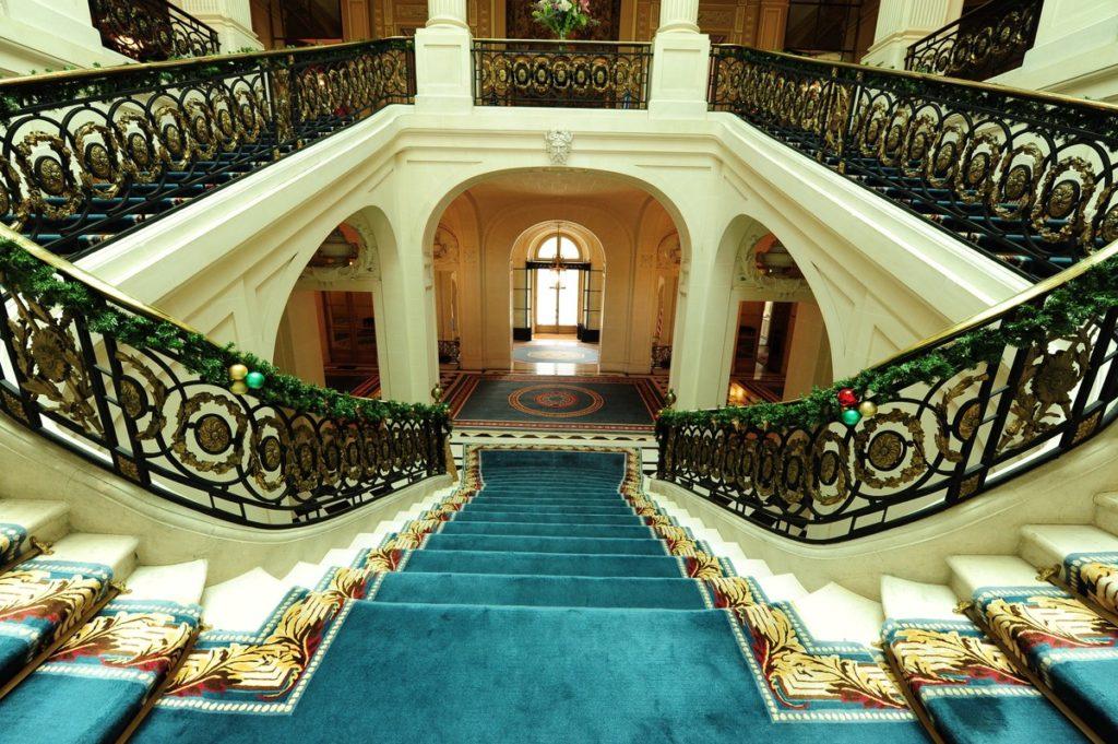 Gran escalera. Del Palacio Bosch, durante una visita guiada en julio.